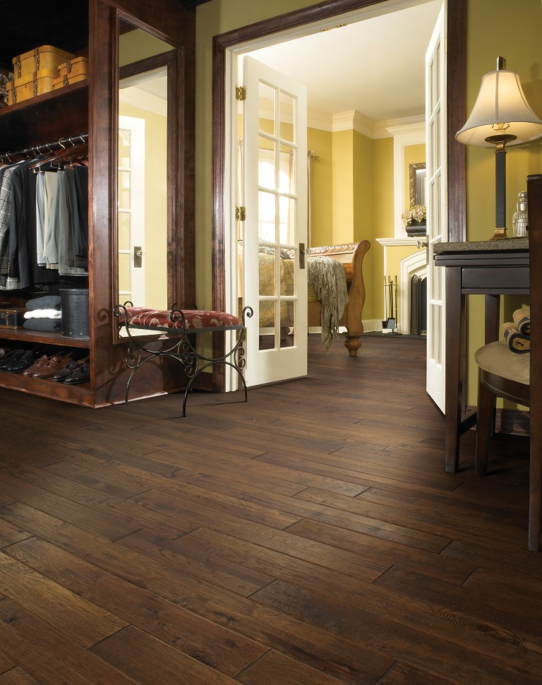HARDWOOD - Gold Rush Walnut 940 Kondike
