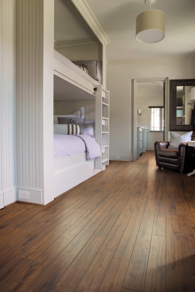 Wood vinyl plank flooring in Bolingbrook, IL